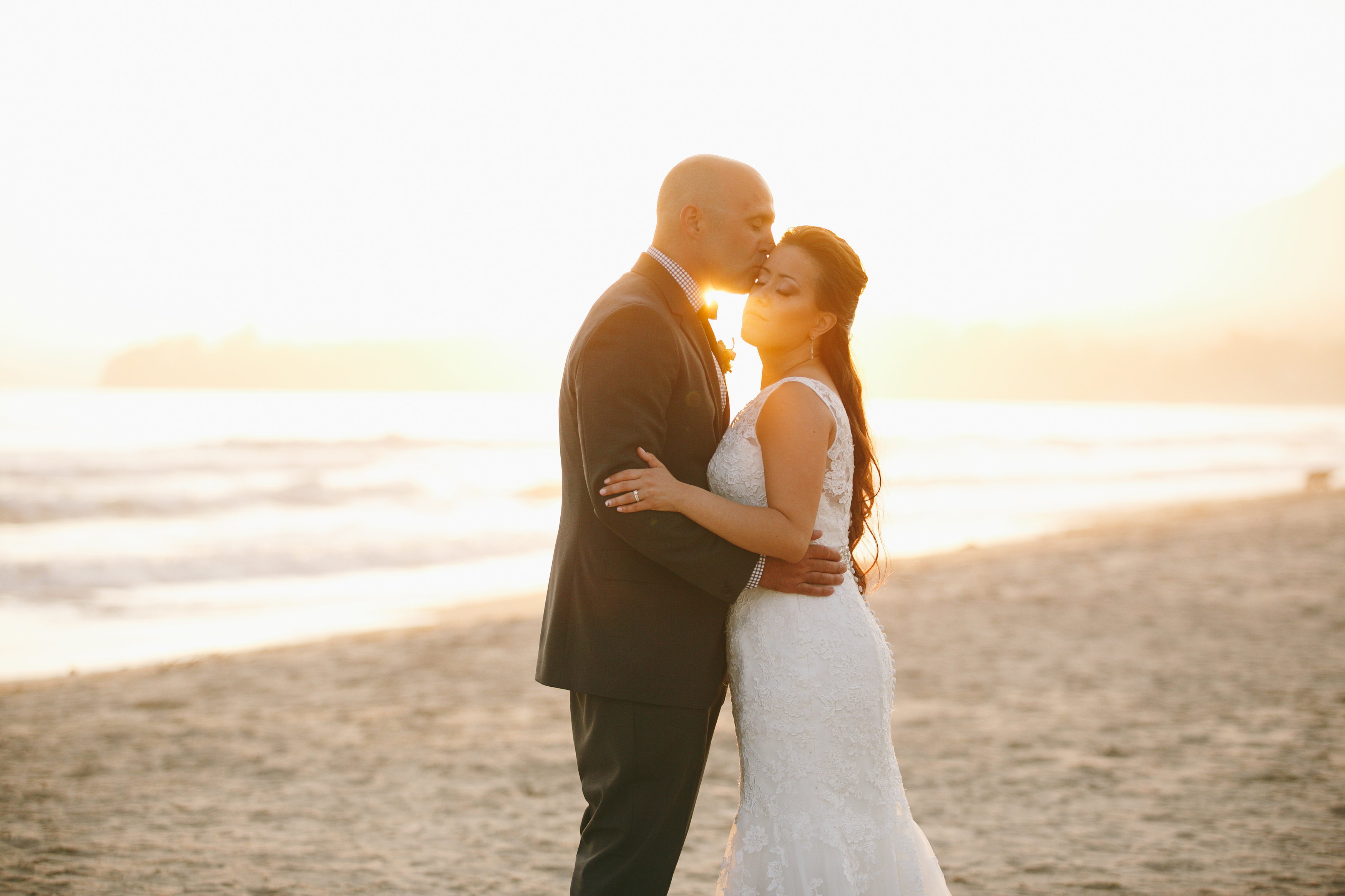 Vintage beach wedding in Carpenteria